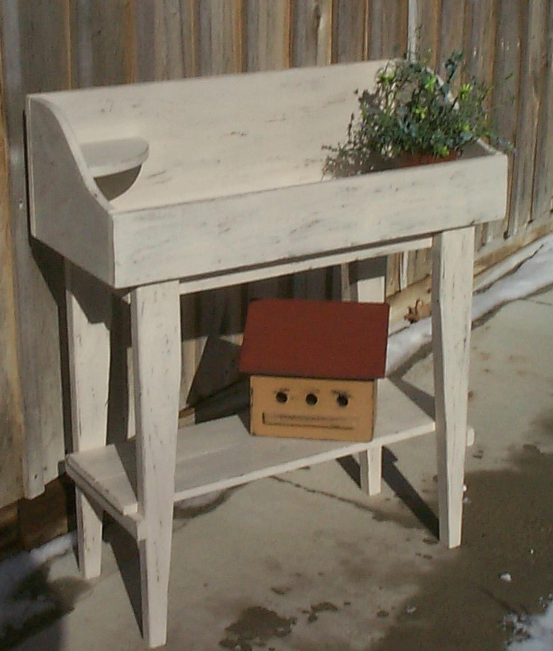 WN112 Primitive Flowerpot/Bucket Bench