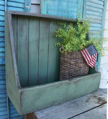 WN157 Primitive Box Shelf